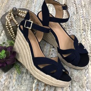 AEO navy blue faux suede wedge sandals 6